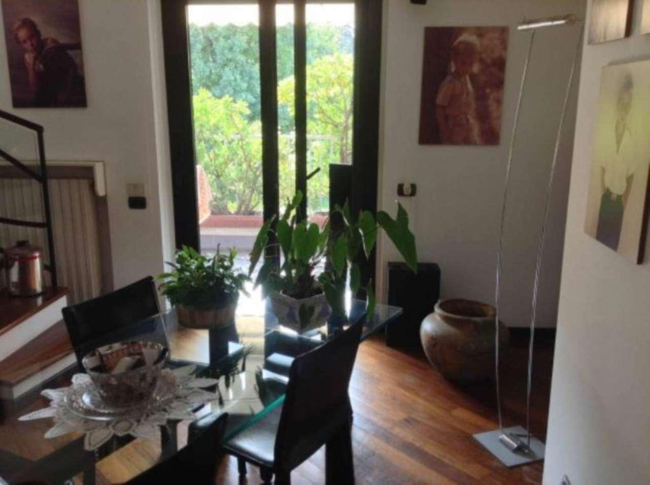 Appartamento su due piani con terrazzo