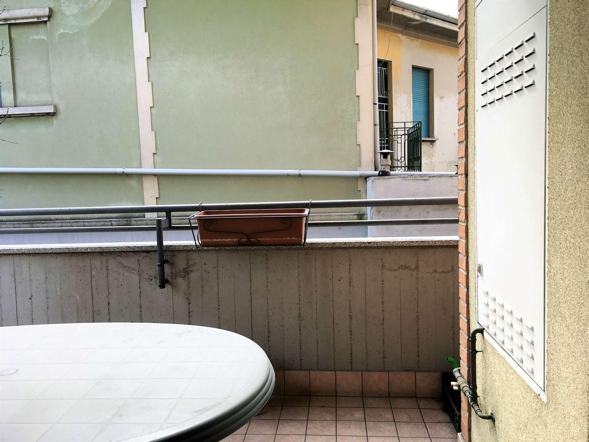 Bilocale con terrazzo e box a Busto Arsizio