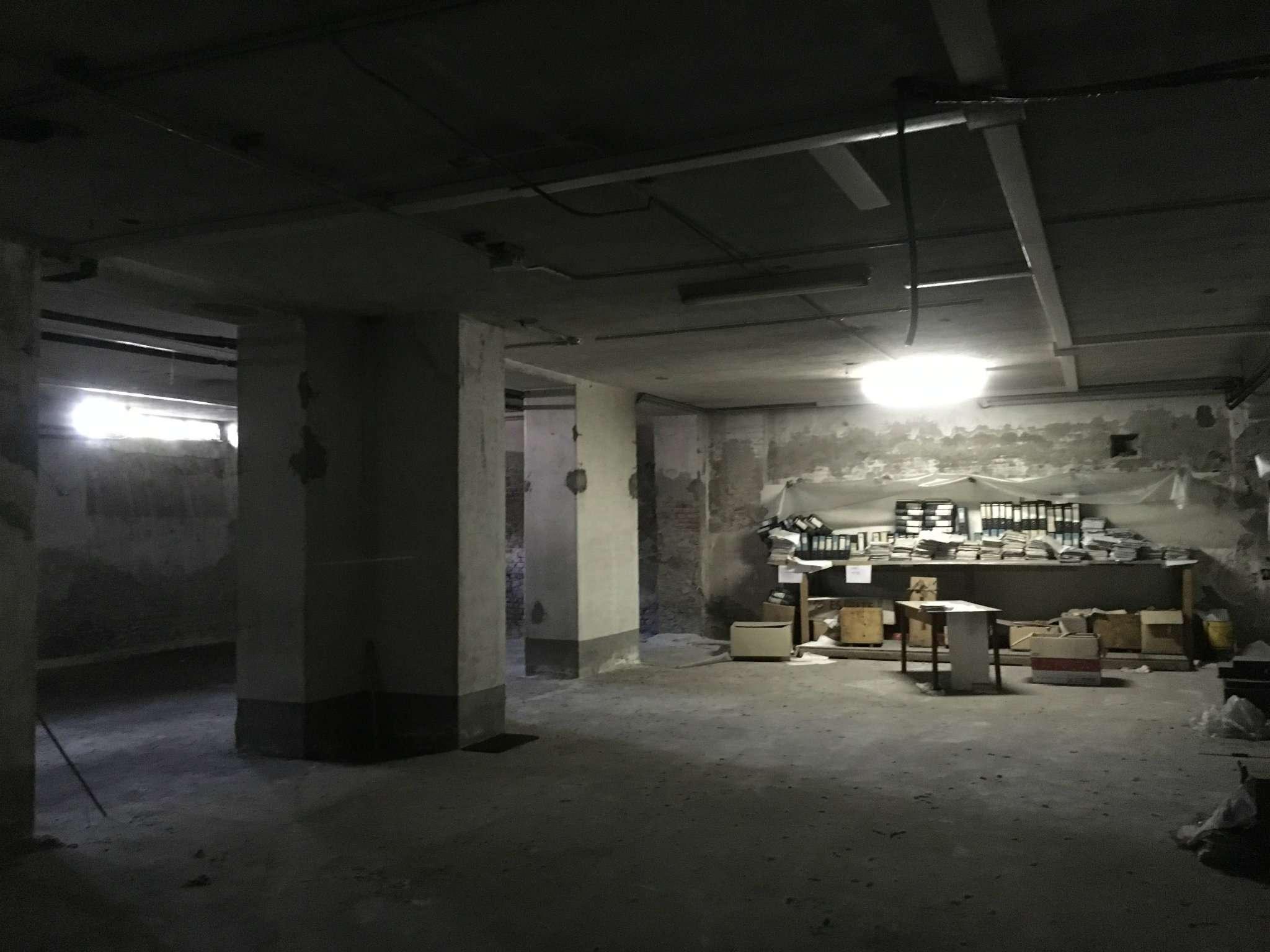 Busto Arsizio Capannone con uffici