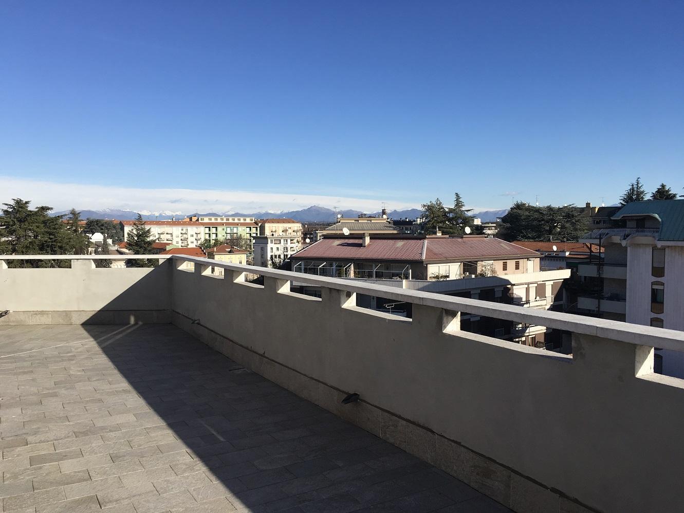 Attico Centro con terrazzo da Ristrutturare
