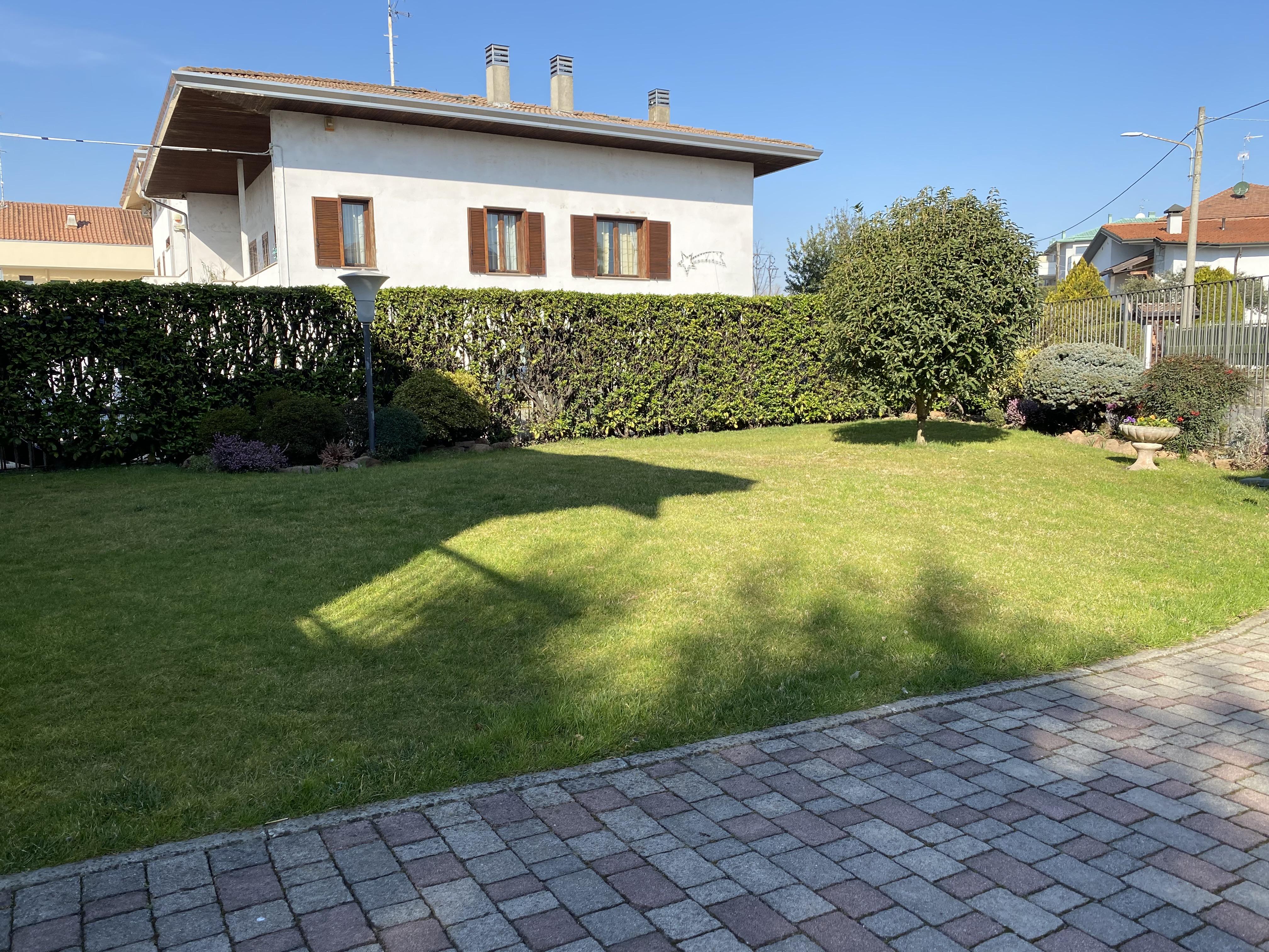 Gallarate Villa Bifamiliare
